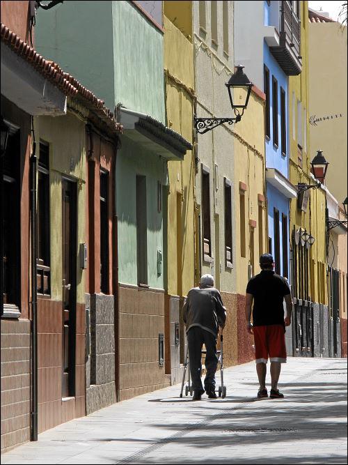 Straßenszene am Vormittag