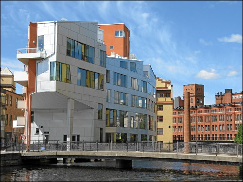 Neubau im Herzen Norrköpings, am Motala ström