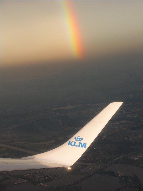 Regenbogen über den Wolken