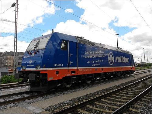 Lok 185 409-0 der Raildox GmbH & Co. KG