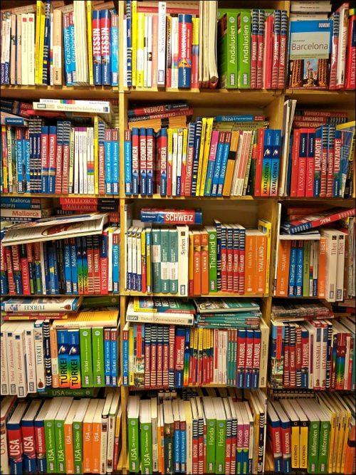 Reduzierte Reiseführer in einer Münchener Restposten-Buchhandlung