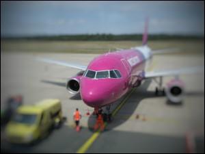 Airbus der ungarischen Wizz Air am Nürnberger Flughafen