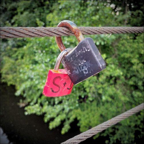 Liebesschlösser am Röllingersteg über die Pegnitz