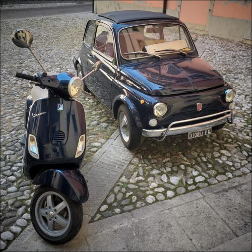 Zwei mobile Design-Ikonen in Udine