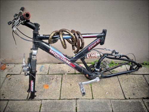 Fahrradwrack in der Fürther Ludwigstraße