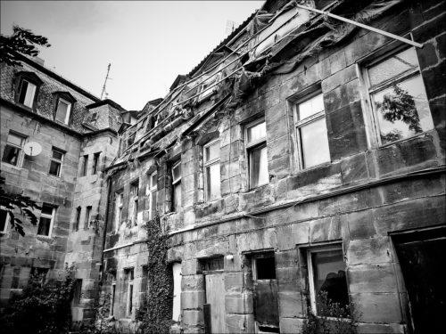 Verfallendes Haus in der Fürther Altstadt