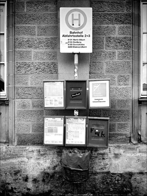 Bushaltestelle am Bahnhof Kitzingen