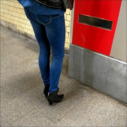 Blaubehoste Fahrkartenautomatenbedienerin in Fürth (Bay) Hbf